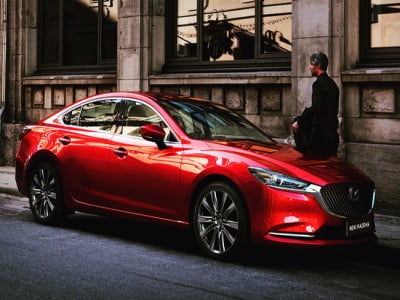 Mazda và cuộc chơi chất liệu trên xe cao cấp