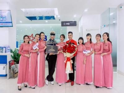 Nghệ sĩ MC Thanh Bạch, mở tài khoản tại MBBank Đồng Nai